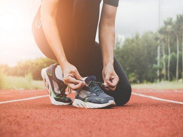 Hướng dẫn cách chọn giày chạy bộ đúng chuẩn